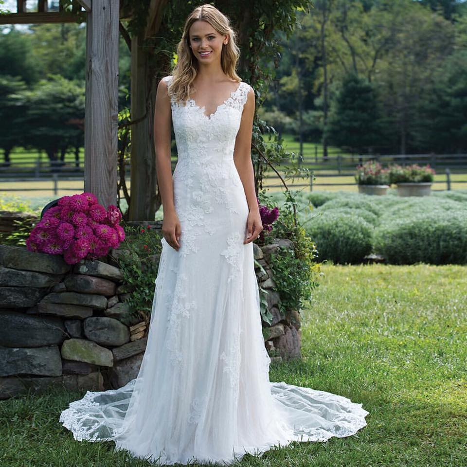 Wedding Gowns Accessories: Wedding Dresses And Accessories